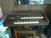 Lowery electric organ. You haul. Mount Airy, 21771