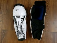 Hockey shin pads size 12 inches Longueuil, J3Y 2S8