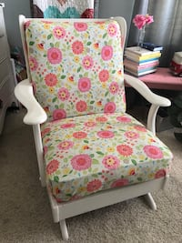 Vintage antique chair glider. Shabby chic baby nursery Bakersfield, 93311