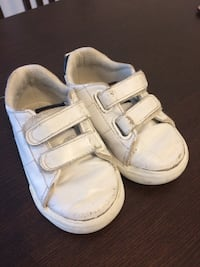 H&M toddler shoes, size 22 Burnaby