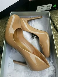pair of nude leather heels jessica Simpson size 9 Aspen Hill