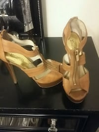 pair of brown leather open-toe heeled sandals Florissant, 63031
