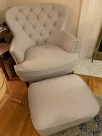 Gray ottoman (2 available) $25 per or $40 for the pair Riverdale Park, 20737