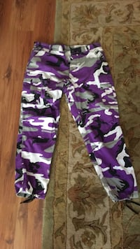 Zumiez purple camp pants Surrey, V3S 4N9