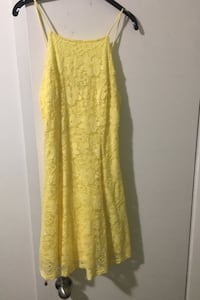 Suzy Shier yellow lace dress Montréal, H4N 1E7