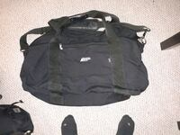 Mountian equitment duffle bag like new  Burnaby, V5B 3X3