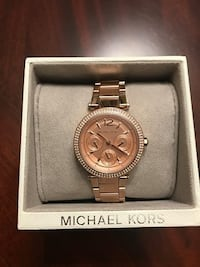Firm Brand New Authentic Michael Kors Rose Gold Watch, Paid $400 comes with the box and still has tags on it. In smoke free and pet free home pickup Kennedy and Sandalwood Brampton