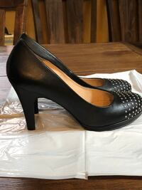 Black leather studded pumps size 7.5 YONKERS