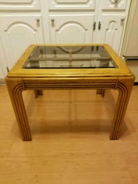 Glass top side/coffee table  St. Catharines, L2R 4M6