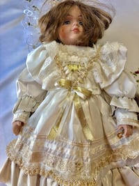 """19"""" tall porcelain doll with dress and boots Orlando, 32824"""