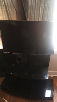 Samsung TV with stand Columbus, 43209