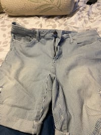 Jean shorts Bermuda's style North Chesterfield, 23235