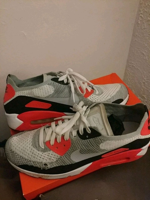 384f7a8380f Used Nike Air Max  Flyknit