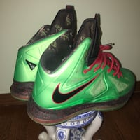 pair of green-and-black Nike basketball shoes Kenosha, 53140