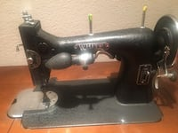 Vintage sewing machine heavy duty Wilton, 95693
