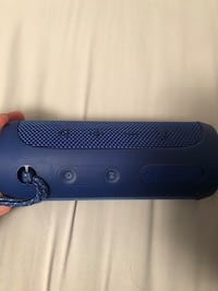 black JBL portable bluetooth speaker 521 km