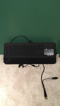 Razer keyboard with touch pad 522 mi
