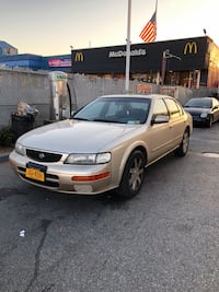 Nissan - Maxima - 1998 New York, 11225
