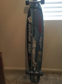 Longboard pintail cruiser skateboard. Looking to trade for a normal skateboard. Otherwise 90$ Las Vegas, 89129