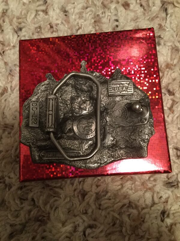 Never Used British Pewter Collectable Belt Buckle. 170d378c-274c-4167-8fce-53a1451a145e
