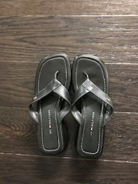 Ladies Black Leather Tommy Hilfiger Sandals Size 7.5 London, N6G