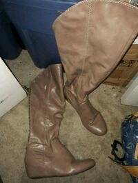 pair of brown leather knee-high boots New Westminster