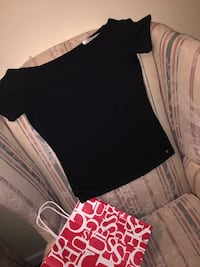 Black guess shirt never worn still has the tags on it  Winnipeg, R2P 1N8