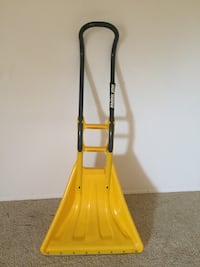 Yellow shovel