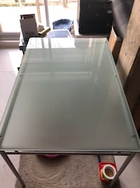 Modern tempered glass table