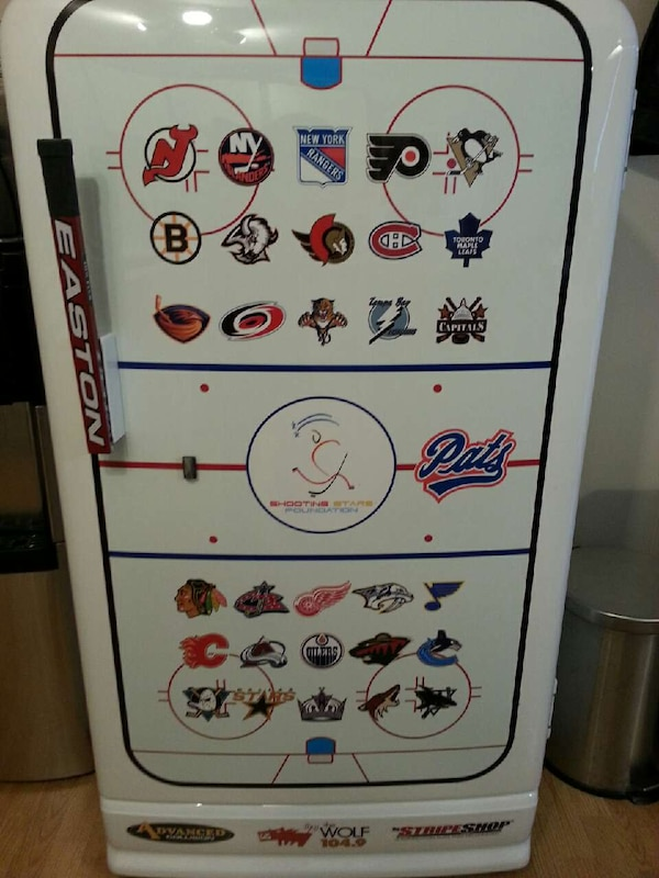 Hockey Fridge a8c0782d-bacc-4530-9b81-b73f4a3f5b01