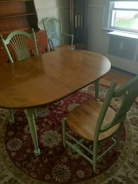 Dining room table and chairs Baltimore, 21230