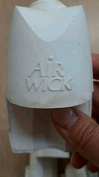 Free 6 airwick outlets  Falls Church, 22044