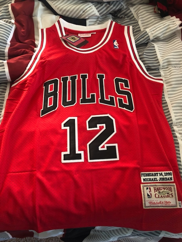 newest 7c4c9 880cd Mitchell & Ness Michael Jordan Jersey number 12