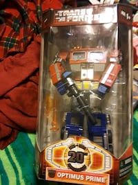 COLLECTABLE ORIGINAL Trans formers Optimus Prime  Terrytown, 70056