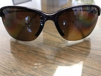 Black framed ray-ban wayfarer sunglasses Toronto, M5R 3E7