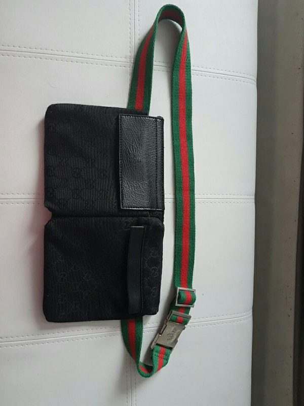 2fdfd3b0794760 Used black leather gucci belt bag for sale in Montreal - letgo