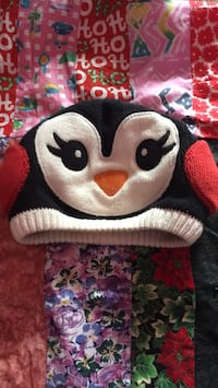 Warm penguin hat (for 5-7 year olds) Burnaby, V5H 2R8