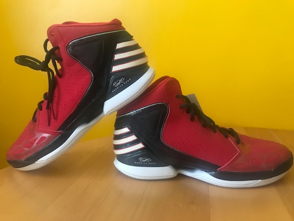 Derrick Rose Christmas Shoes For Sale.Derrick Rose Shoes Size 11 Never Worn Price Negotiable