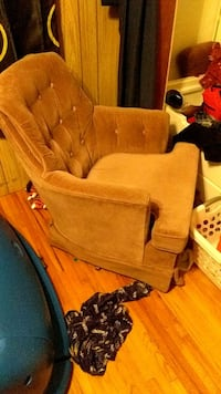 set of two chairs Coon Rapids, 55448
