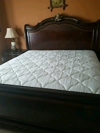 white and gray bed mattress Clinton, 20735