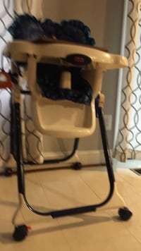 baby's white and black high chair Frederick, 21703