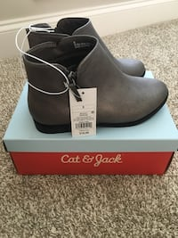 Girls Cat and Jack Boots size 5 Marietta, 30064