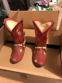 pair of red leather cowboy boots with box Las Vegas, 89156