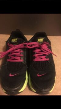 NIKE Kids Training Shoes   Size 6   Good condition Katy, 77449