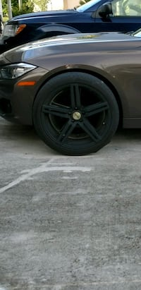 20in matte black Dragg rims 610 mi