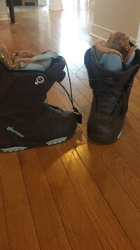 Size 7 women's snowboard boots..barely used Newcastle, L1B 1K4