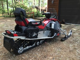 Touring SkiDoo GSX Snowmobile Limited 600 sled