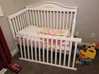 Crib/toddler bed/double bed headboard with mattress and baby tub St. Catharines, L2N 3Z6