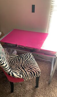 Desk with chair obo