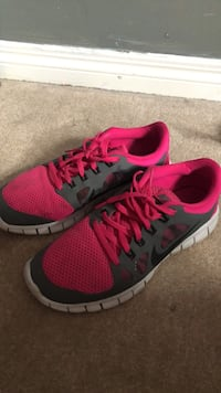 Nike running shoes Calgary, T1Y